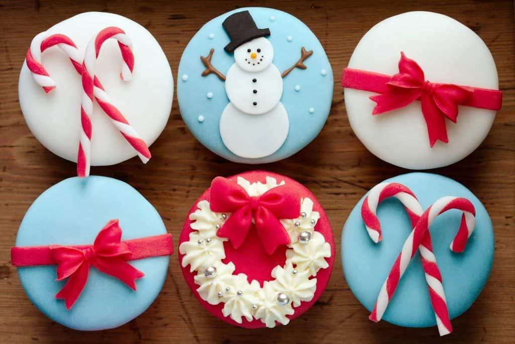 Yılbaşı Dekorlu Muffinler