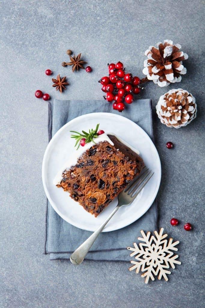 Kakaolu Kuru Üzümlü Yılbaşı Pastası