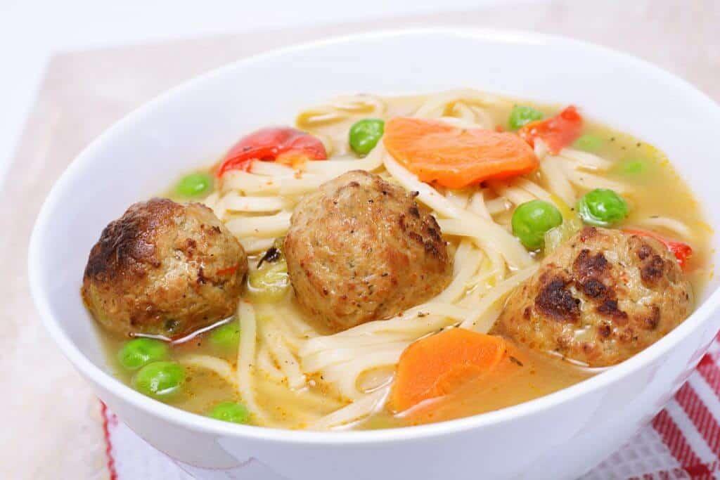 Hindi Köfteli Noodle