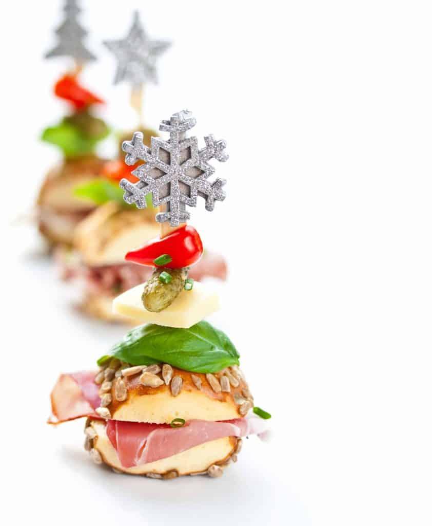 Jambon ve hindi fümeli sandviçler